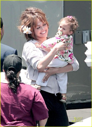 Jennifer and her daughter Emme