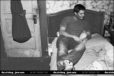 Дженсен Эклс Обои probably with a living room, a drawing room, and a family room entitled Jensen photoshoot