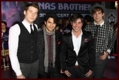 Jonas Brothers 3D 音乐会 Experience Premiere Feb 24
