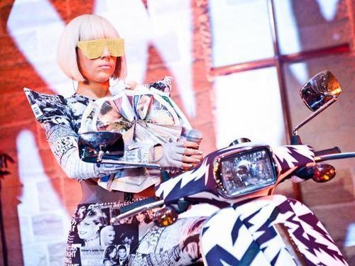 Lady Gaga Kicks Off KIA Soul Live At The Chapel!