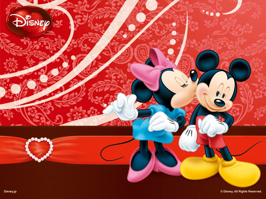 Mickey Mouse and Minnie in Love Wallpaper