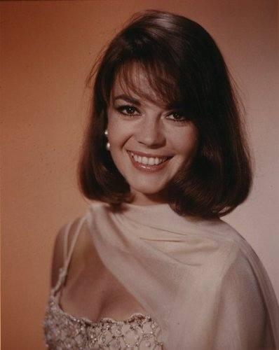 Natalie Wood wallpaper containing a portrait entitled Natalie Wood
