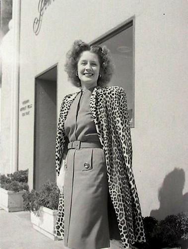 Norma Shearer - candid