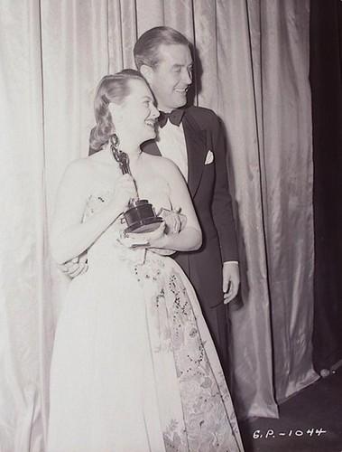 Olivia de Havilland & raio, ray Milland at the Academy Awards