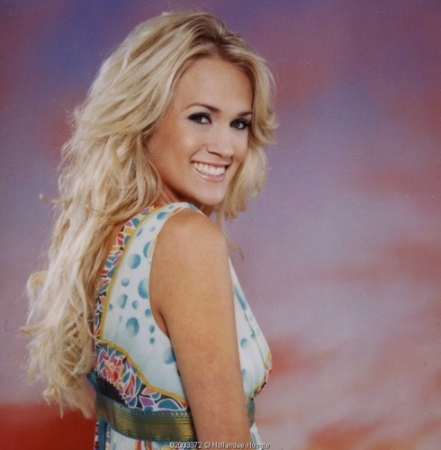 Carrie Underwood wallpaper probably with attractiveness titled Parade Magazine Shoot