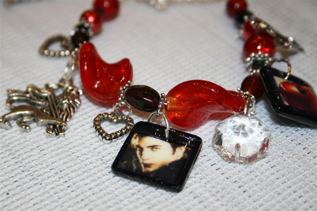 Red Glass bead Twilight ( Edward ) bracelet