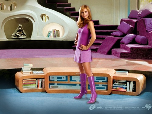 SMG as Daphne in Scooby Doo