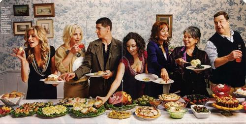 Sarah Chalke wallpaper with a holiday dinner titled Sarah And The Cast Of Roseanne