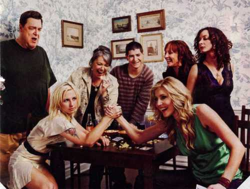 Sarah And The Cast Of Roseanne - sarah-chalke Photo