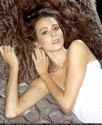 Amy Acker achtergrond with skin and a portrait titled Session 5 Photoshoot