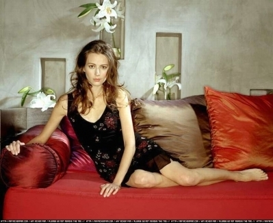 Amy Acker kertas dinding probably with a couch, a boudoir, and a platform katil titled Session 5 Photoshoot