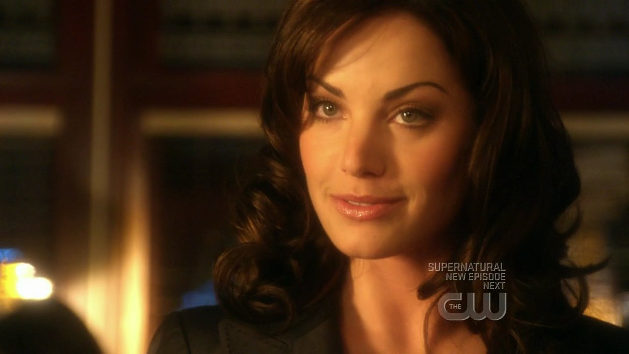 Erica Durance - Wallpaper Actress
