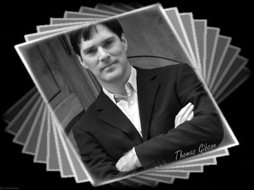 Thomas Gibson wallpaper probably with a business suit titled Thomas Gibson