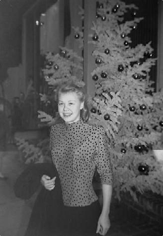 Vera Ellen Waist