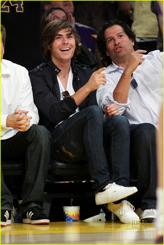 Zac Efron is a Lakers Lover