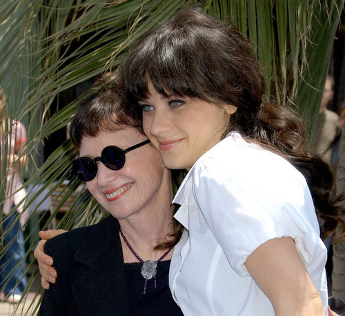 Deschanel wallpaper containing sunglasses titled Zooey and Her Mom
