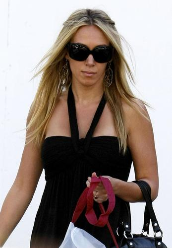 Haylie Duff wallpaper possibly with sunglasses called haylie
