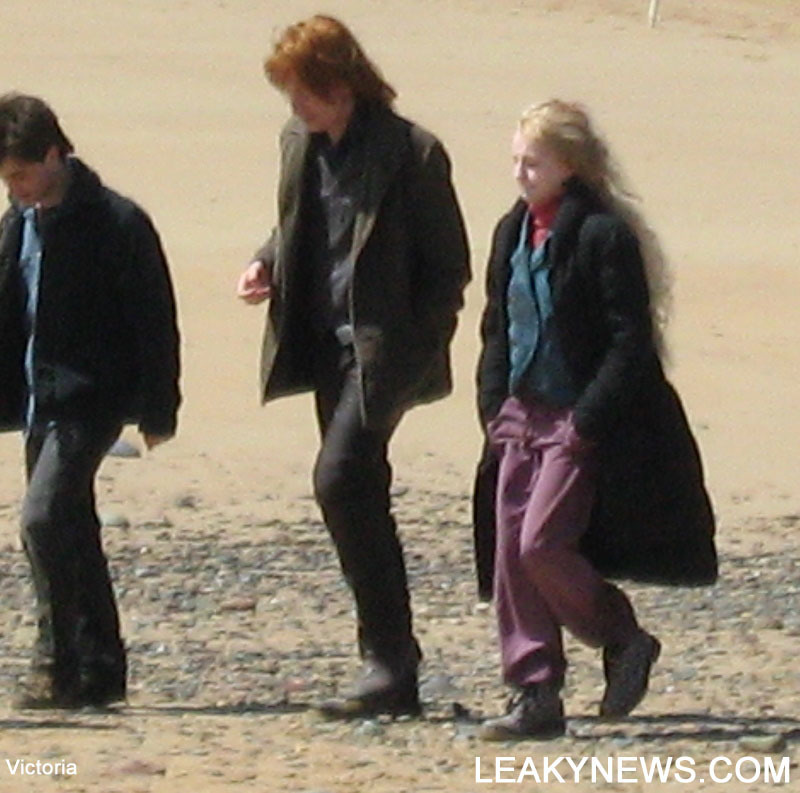 in deathly hallow set