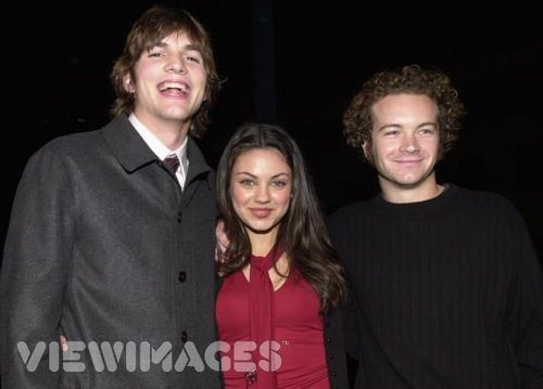 Jackie & Hyde Обои containing a well dressed person entitled mila kunis and danny masterson known as jackie and hyde