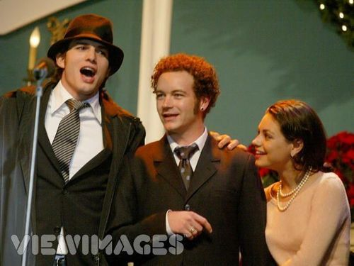 Jackie & Hyde वॉलपेपर possibly with a business suit called mila kunis and danny masterson known as jackie and hyde