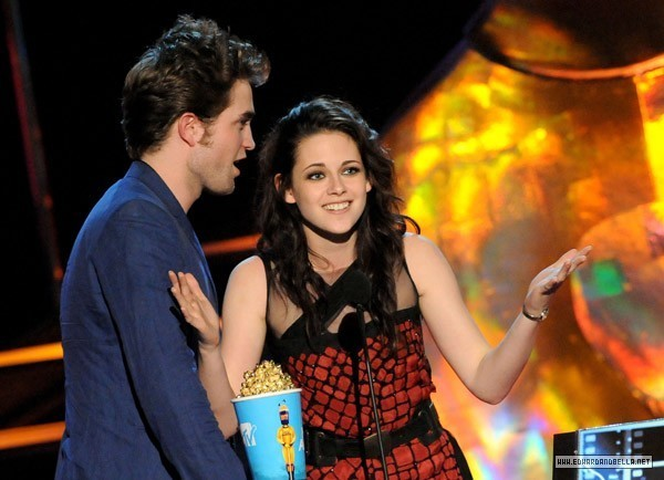http://images2.fanpop.com/images/photos/6400000/mtv-movie-awards-twilight-series-6494255-600-434.jpg