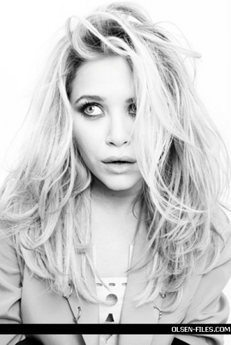 Mary-Kate & Ashley Olsen fondo de pantalla probably containing a portrait titled photoshoot