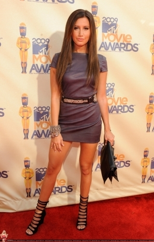 Ashley Tisdale @ 2009 mtv Movie Awards