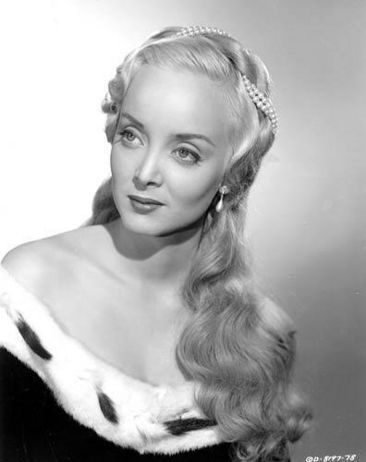 carolyn jones color