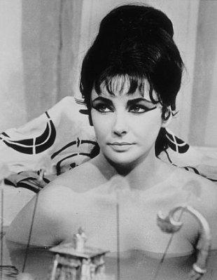 Elizabeth Taylor karatasi la kupamba ukuta titled Elizabeth Taylor in Cleopatra