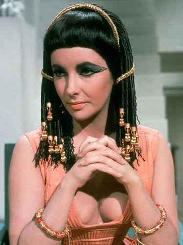 Elizabeth Taylor kertas dinding titled Elizabeth Taylor in Cleopatra