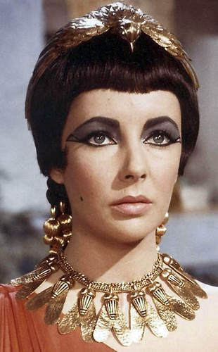 Elizabeth Taylor wallpaper called Elizabeth Taylor in Cleopatra