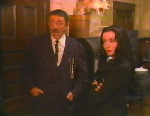 Halloween With the New Addams Family - Gah!