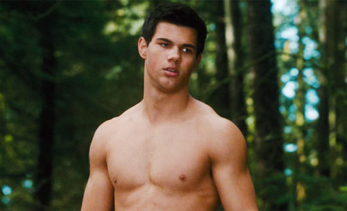 Jacob Black wallpaper containing a hunk entitled JAKE IN NEW MOON!!! HOTT~