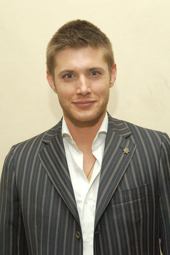 Jensen Ackles Hintergrund containing a business suit and a suit entitled JENSEN ACKLES