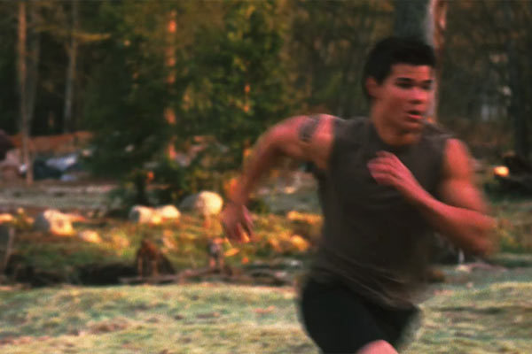 http://images2.fanpop.com/images/photos/6500000/Jacob-in-the-New-Moon-trailer-jacob-black-6501375-600-400.jpg