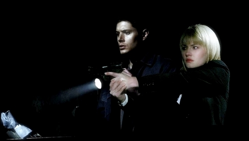 Kim Dean  - elisha-cuthbert-and-jensen-ackles Photo