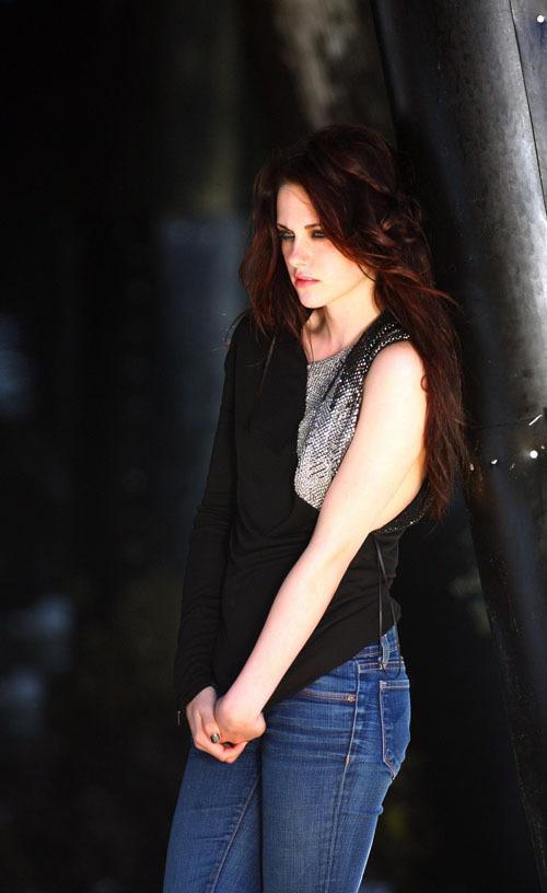 Kristen Stewart - Santa Monica Pier shoot - June 2