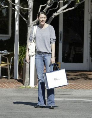 Paget Brewster- Shopping in LA, Dec 7, 2007