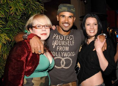 Paget with Shemar Moore and Kirsten Vangsness