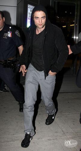 Robert Pattinson Arrives in New York from LA