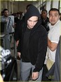 Robert Pattinson Leaving Los Angeles - twilight-series photo
