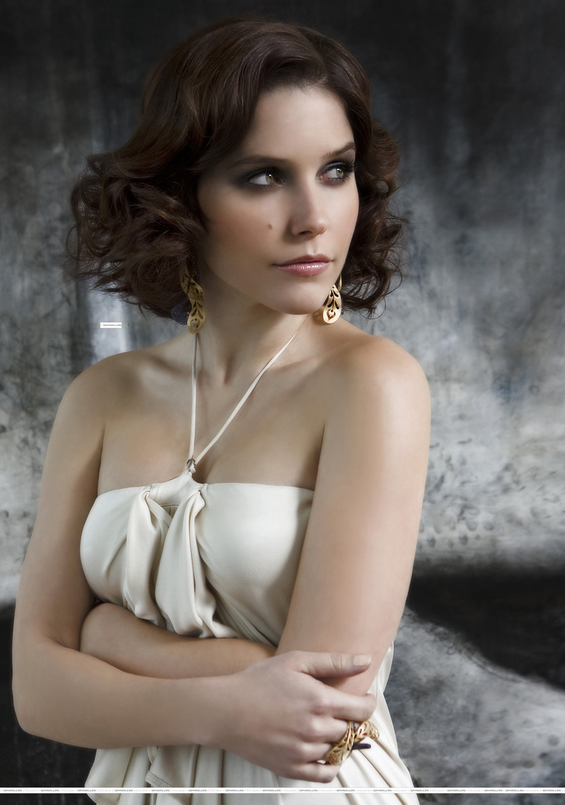 Hot or not (ž) Sophia-Bush-LA-Direct-Photoshoot-sophia-bush-6541184-1124-1600