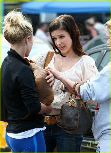 Sophia Bush: Petco Adoption Day!