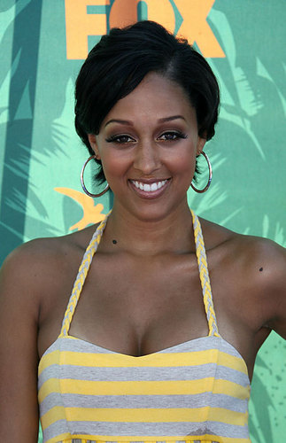 Tia and Tamera Mowry wallpaper titled Tia >3