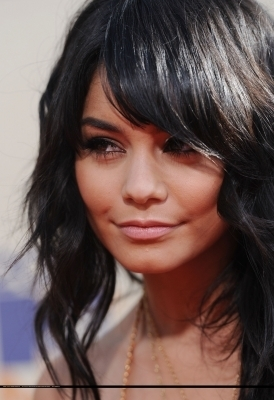 Vanessa Hudgens @ 2009 mtv Movie Awards