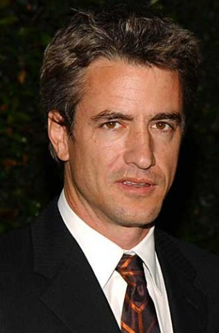 The 53-year old son of father Michael Mulroney and mother Ellen B. Mulroney, 178 cm tall Dermot Mulroney in 2017 photo