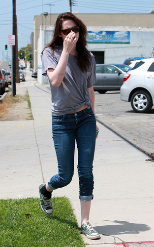 Twilight Series wallpaper with a street called kristen stewart Out in Santa Monica - June 4, 2009