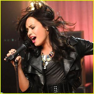 "Demi Lovato música video shoot for ""Here We Go Again"""