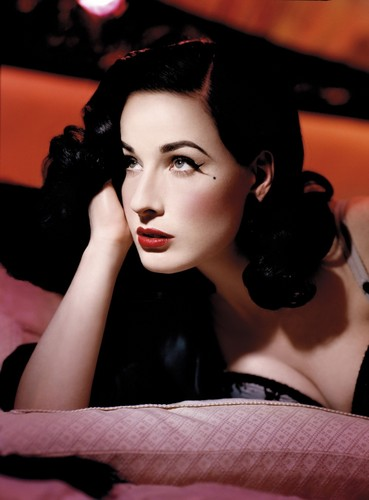 Dita Von Teese wallpaper possibly containing a portrait entitled Dita Von Teese