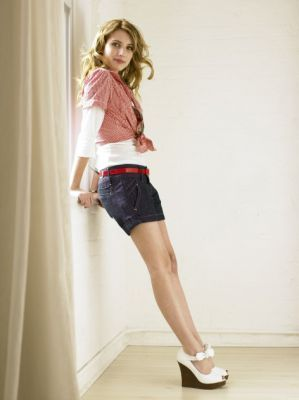 Emma Roberts wallpaper called Emma Roberts- Photoshoots